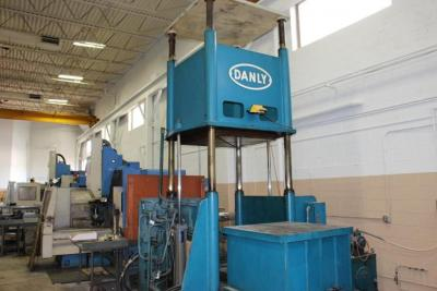 Danly 4-Post Hydraulic Spotting Press, SN: 0286,