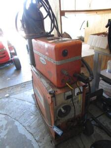 Airco DIP-ARC 200 Welding Power Source with Wire Feeder