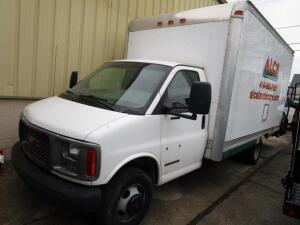 2000 GMC 3500 Step Van with Equipment Ramp, VIN: 1GDJG31R4Y1191342, Gas Engine, 14' Aluminum Box,