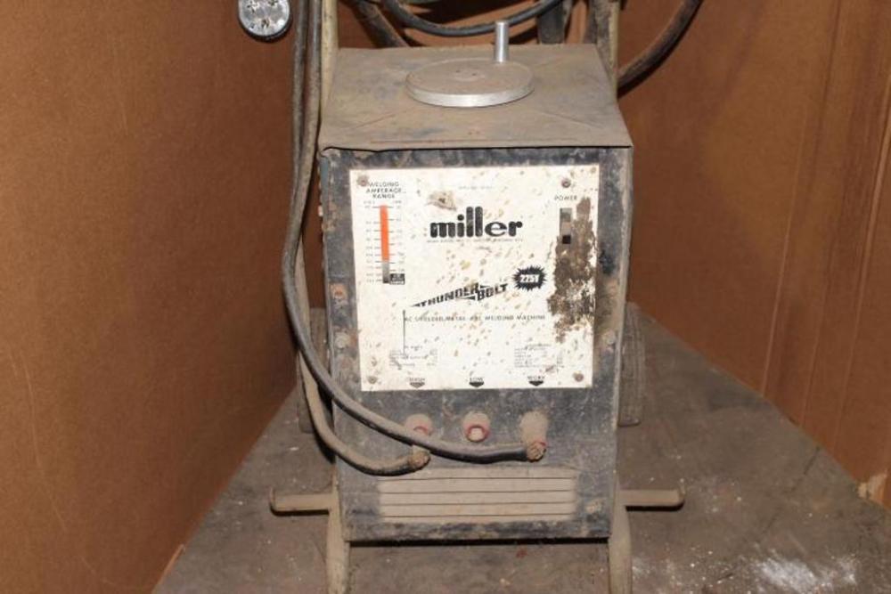 Miller Thunderbolt 225V Stick Welder, 225 Amp  - Current price: $30